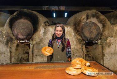 カザフスタンの美味しそうなパン