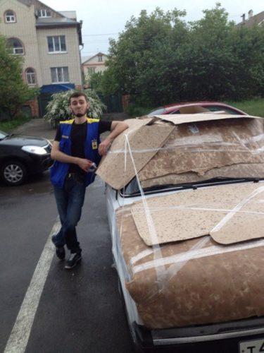 雹から車を守れ!ロシア人の工夫がすごい