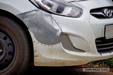 ロシアのハラショーなブリキ職人が修理した車