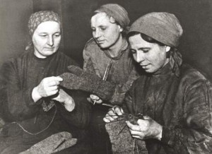 日本から流れ着いた靴を直して使っていた?ソ連女性の日常生活を紹介します!