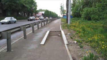 ロシアで発見された世界一必要のない階段