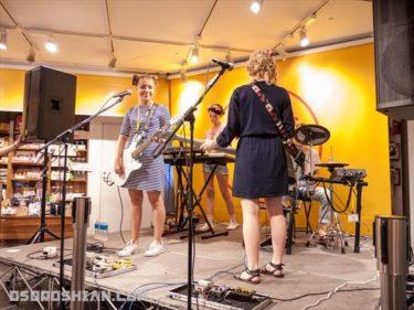 日本語で歌うロシア人のガールズバンド、Pudra(プードラ)の2015年来日初イベントに行ってきた