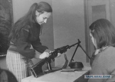 「兵役はソ連人にとって光栄である義務だ」 ソ連における初等軍事教育