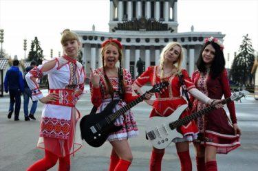 ロシア人なのに日本語で歌うガールズバンド、Pudraがついに日本デビューするのでどうでもいいこと聞いてみた