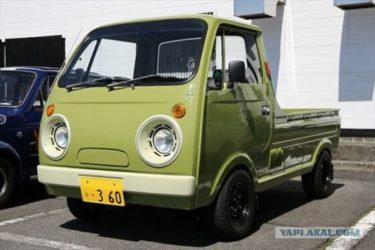 「アニメの車みたい!」「かわいい!」ロシア人が日本の360cc軽自動車を紹介します!
