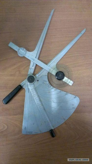 「これは何?誰か知らない?航空関係のもの?」ロシア人が見つけた謎の道具