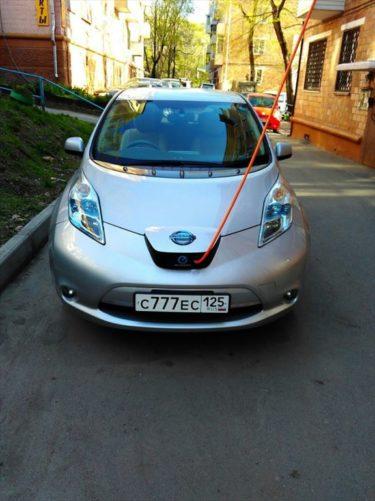 ロシアのアパートで日産の電気自動車リーフを充電する方法