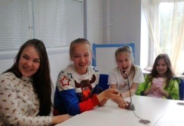 日本のことを少しでも知ってもらうため、セヴェロドヴィンスクの子供達とSkypeで交流した