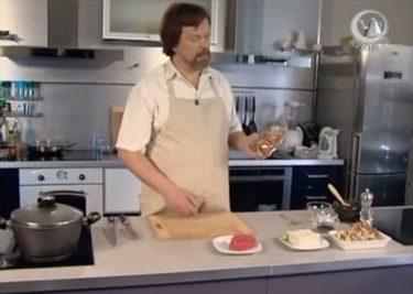 かつお節の代わりにフレッシュなマグロを投入!これが日本の男飯?ロシアの料理番組のみそ汁レシピ