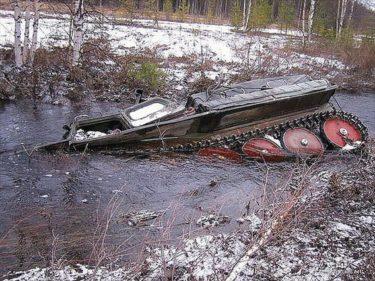 おそロシア!ロシアの北では重機から車まで沈みまくる