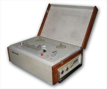 ソビエト男子の憧れ、ソビエト時代のテープレコーダーを紹介します!