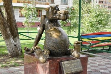 ロシアの街にあるちょっとおかしなモニュメントの数々を紹介します!