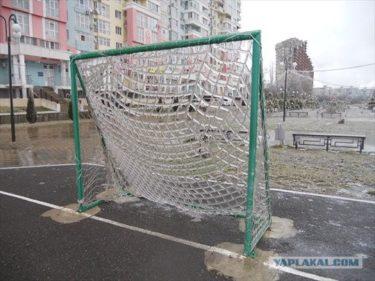 辺り一面氷の世界!雨が降った後の冬のロシアの様子を紹介します!!