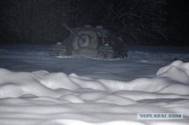 ロシア人「雪戦車コンテストにみんなで応募しよう!!」