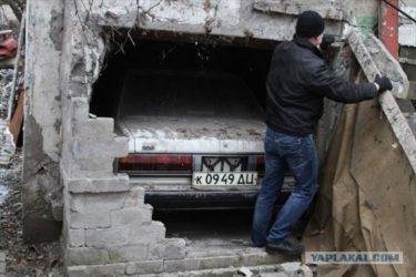 まるでBTTF3のデロリアン!ロシアで23年間隠されていたトヨタマークⅡが発見される