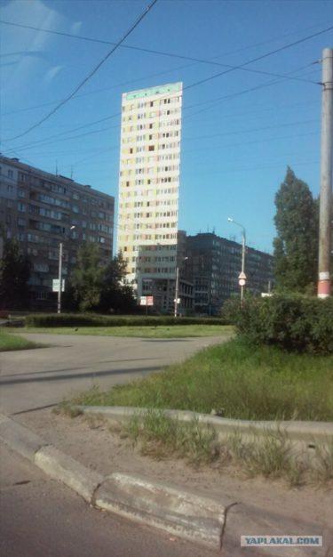 イリュージョン?目の錯覚?ロシアで発見された不思議な建物
