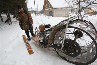 様々な乗り物を手作りするロシア人のおじいちゃんがすごい!