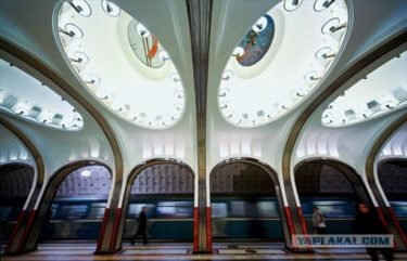 豪華で有名なモスクワの地下鉄の特にユニークな15の駅